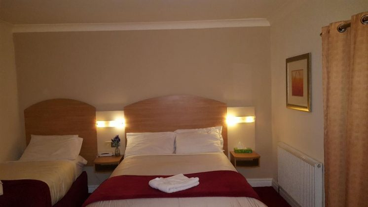 Bedrooms at Lloyds Of Chester Hotel