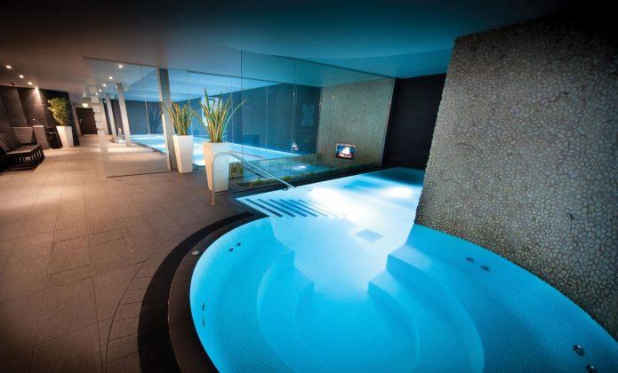 Swimming Pool & Spa Area