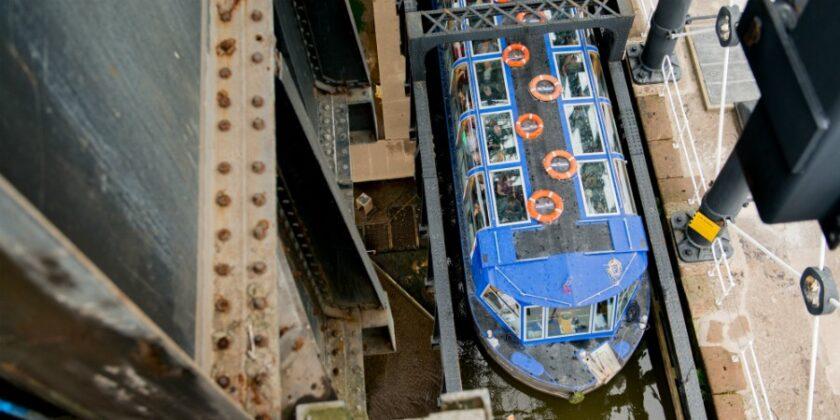 Walking The Lift - Anderton Boat Lift